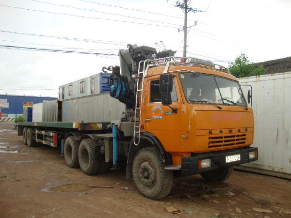 lắp cần cẩu xe tải